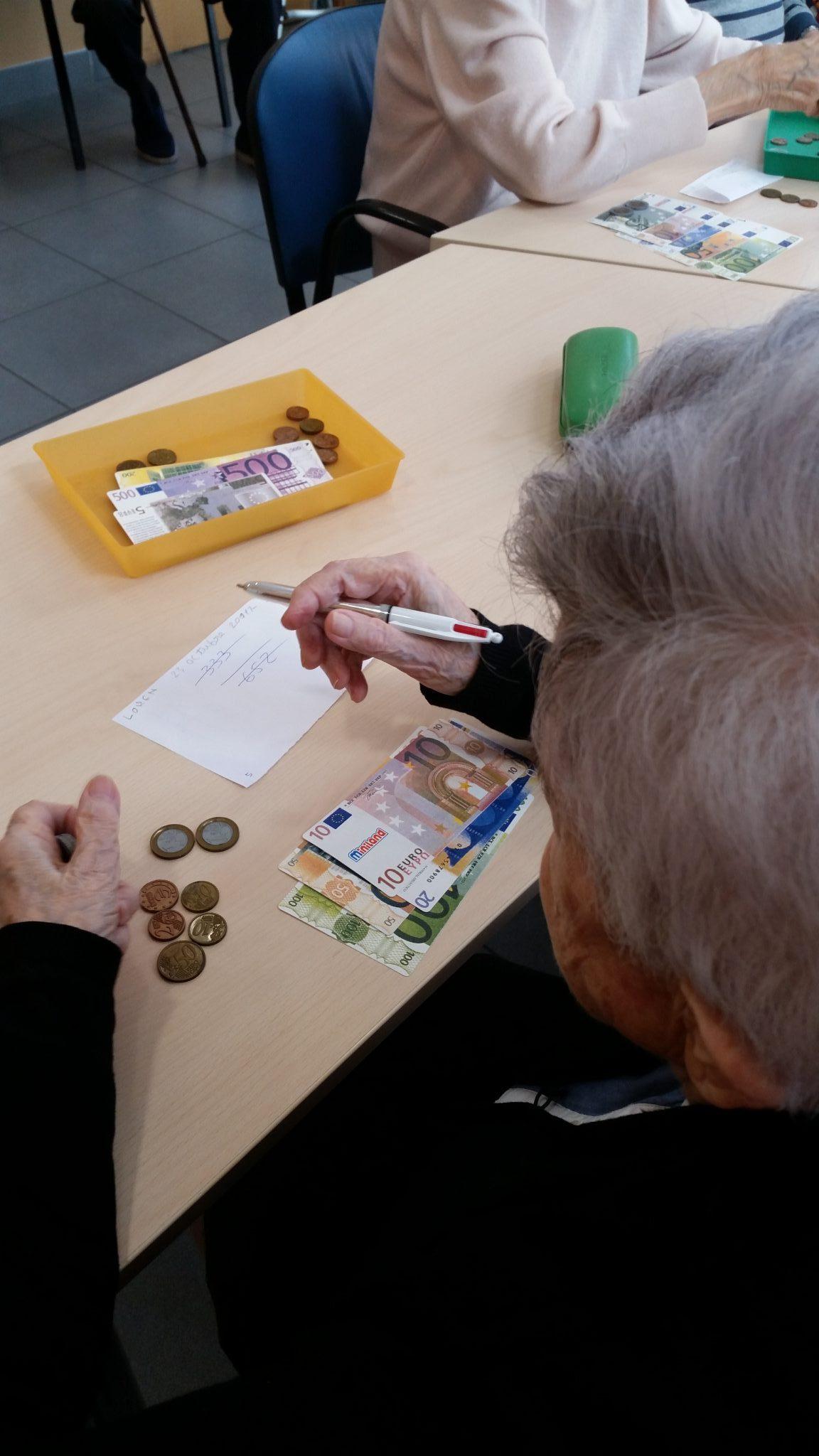 Exercicis d'estimulació cognitiva amb Euros