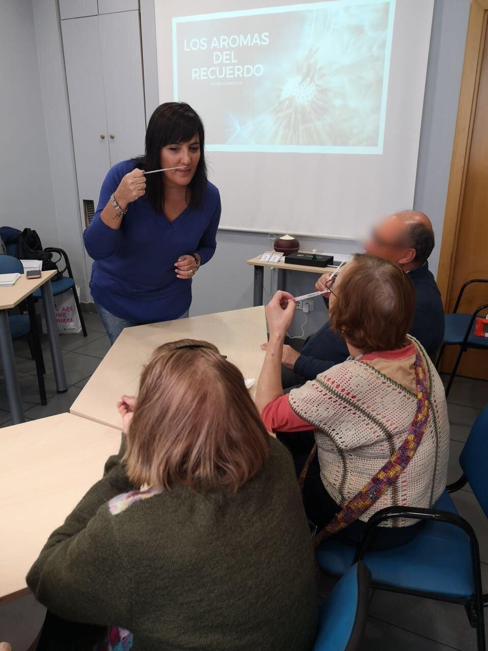 Estimulació cognitiva amb aromateràpia