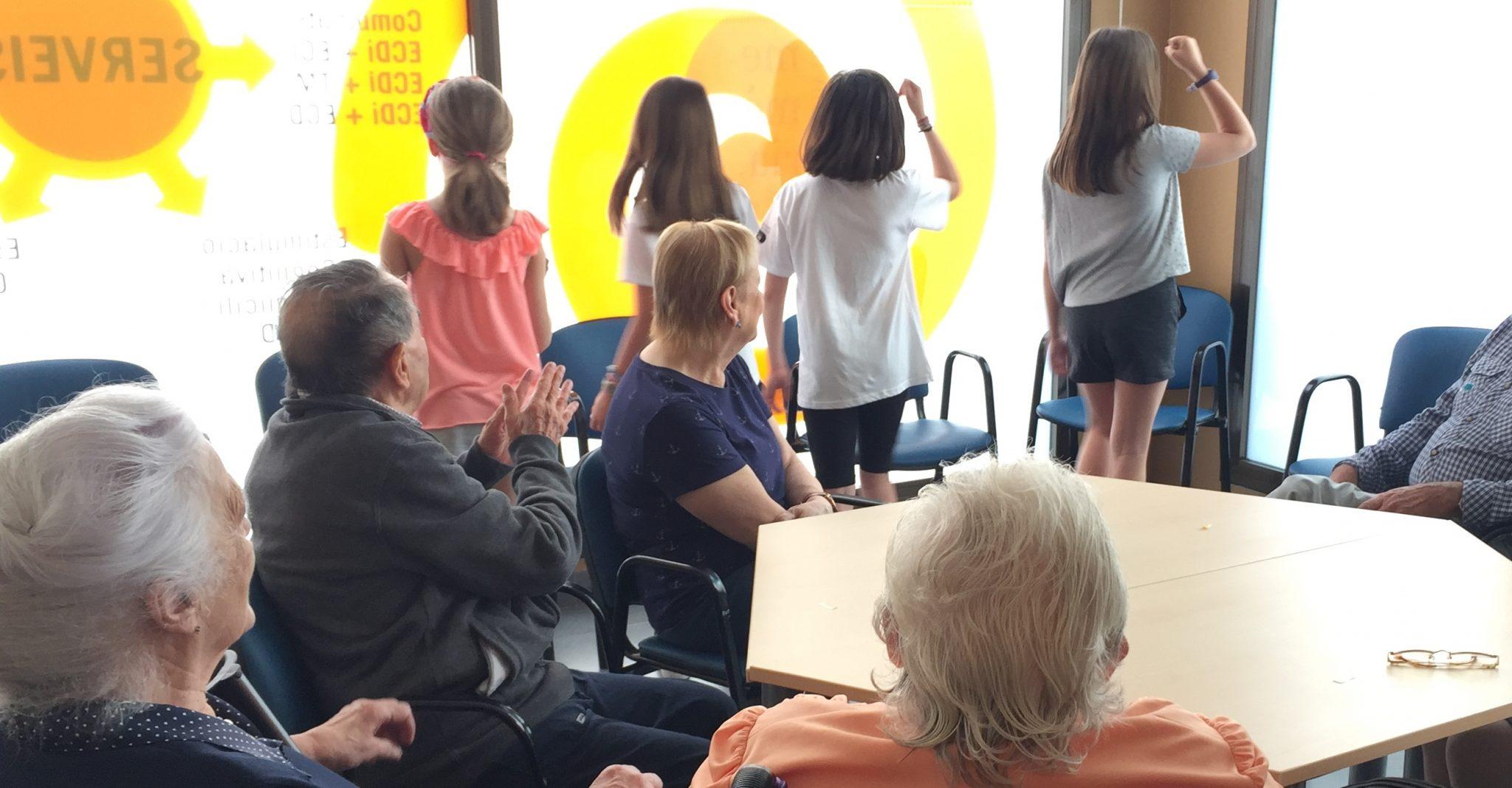Activitats amb nens i nenes de l'escola Lys